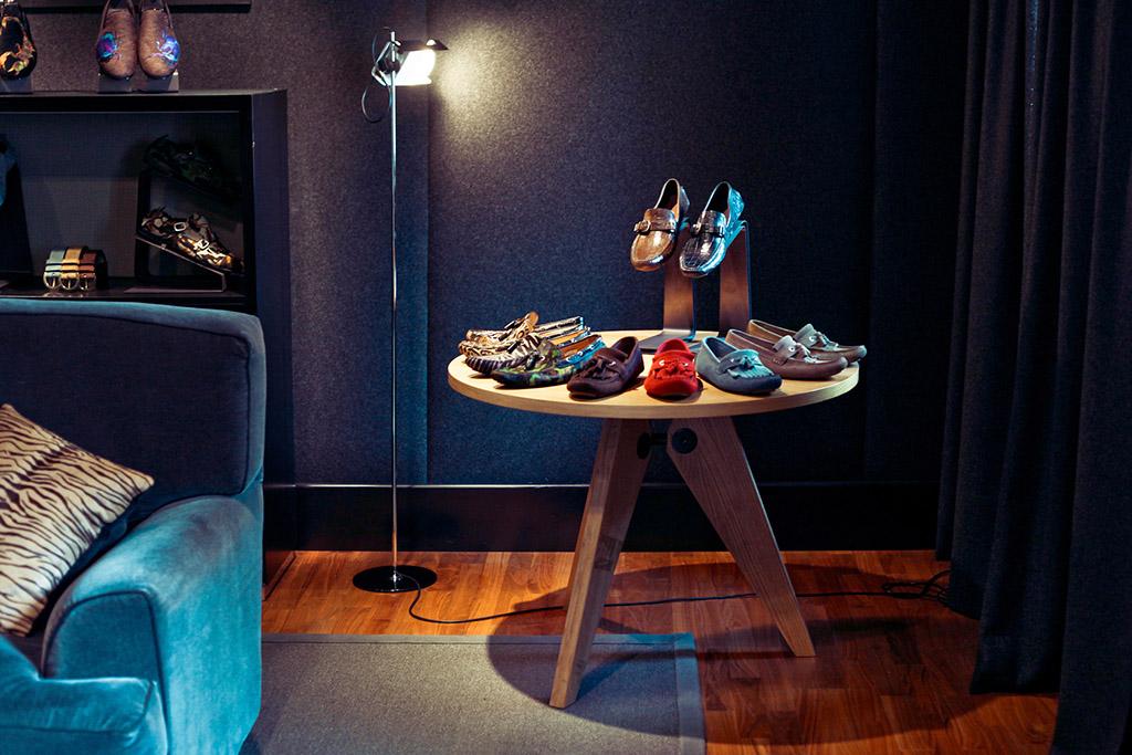 Showrooms Jimmy Choo Man footwear display
