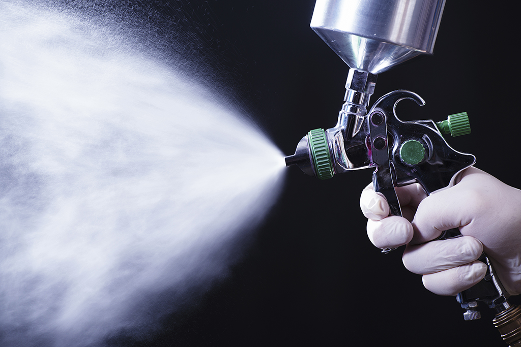 Scenographic furnishings, spray gun