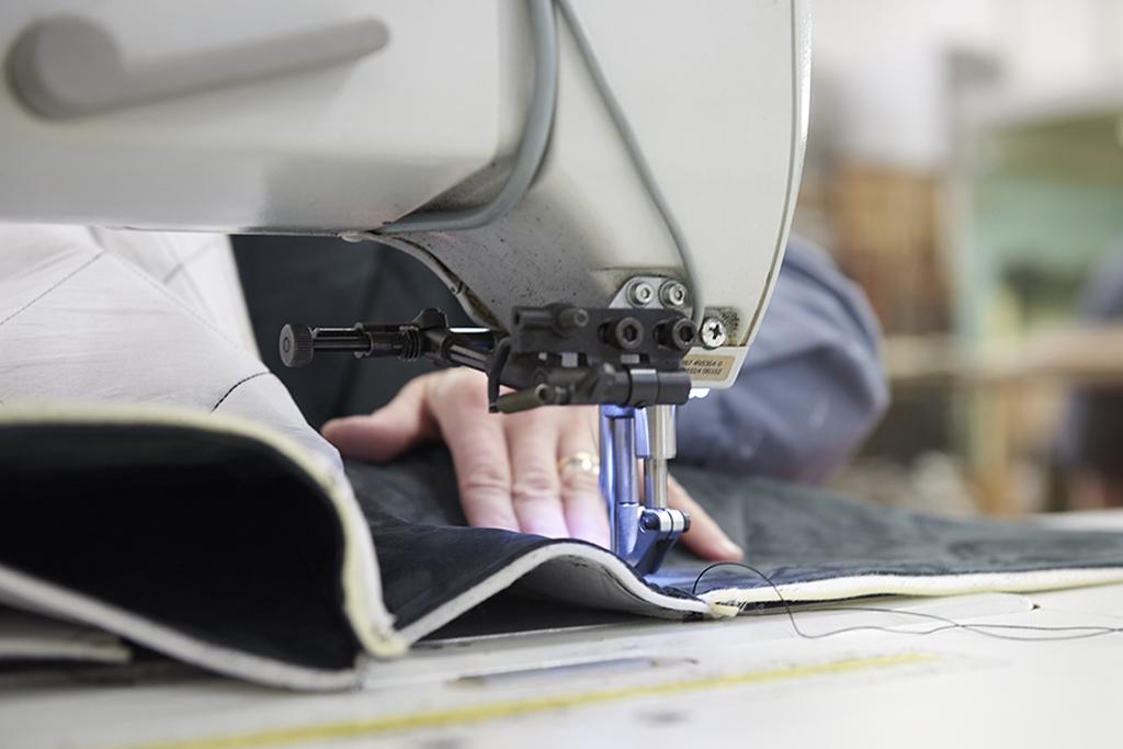 挂毯生产,缝纫